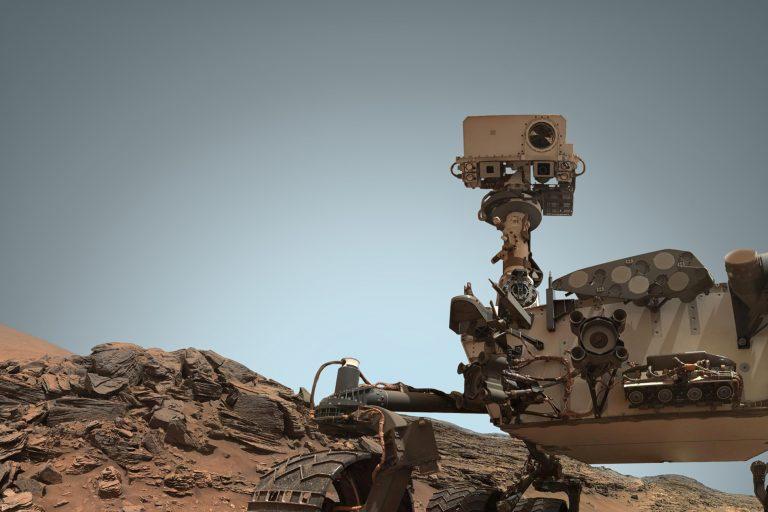 robot roaming mars